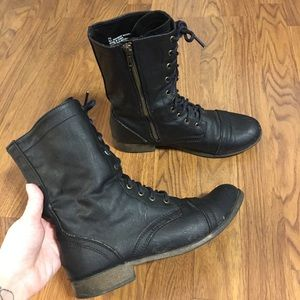 Size 7.5 Target Mossimo brand boots